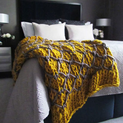 Normal hattie chunky knit throw