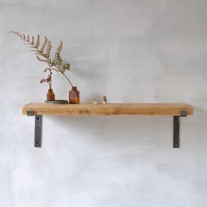 Normal wooden shelf %281%29