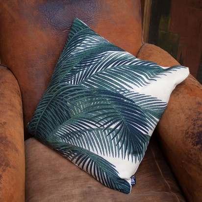 Huc1693 printed palm leaves cushion