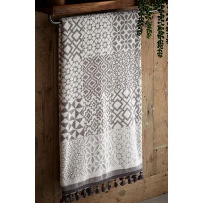 Towel tile print grey